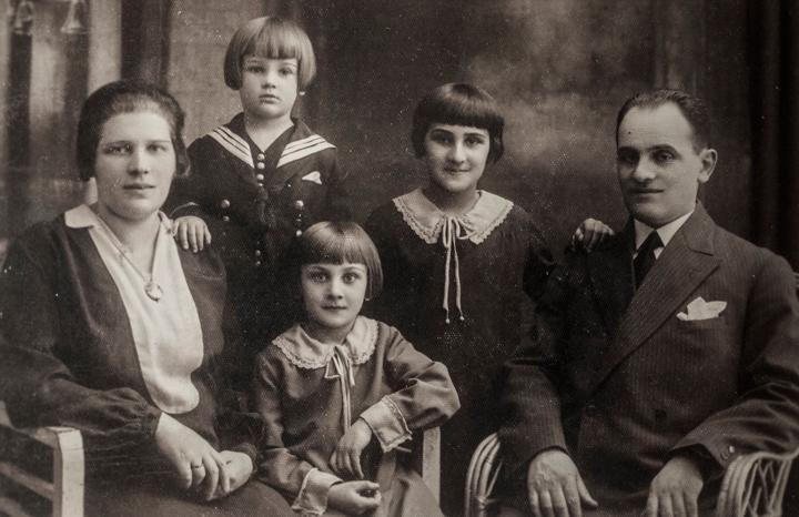 Fem vittnen från Förintelsen berättar i ny skrift