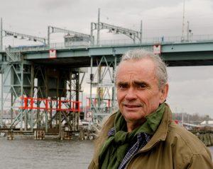 Götaälvbrons historia blir bok