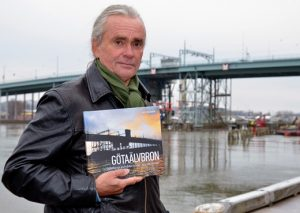 Götaälvbrons historia har blivit bok