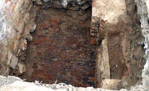 Tegelgolv från 1600-talet hittade i Börskvarteret