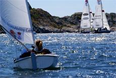 Volvo Ocean Race startskott markeras med jollesegling