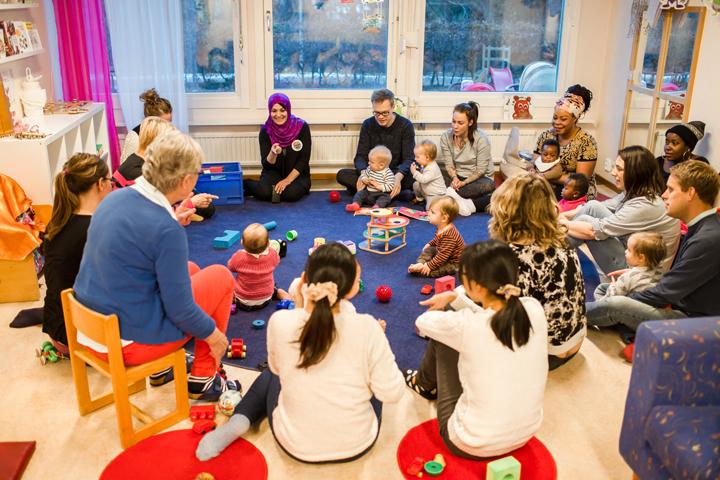 Språkträning för föräldralediga ska öka jämlikheten